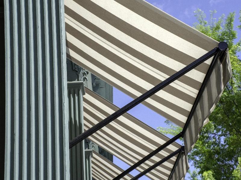 Des professionnels qualifiés à votre service pour le choix de vos stores à Montpellier dans l'Hérault (34) | AB Tertiaire