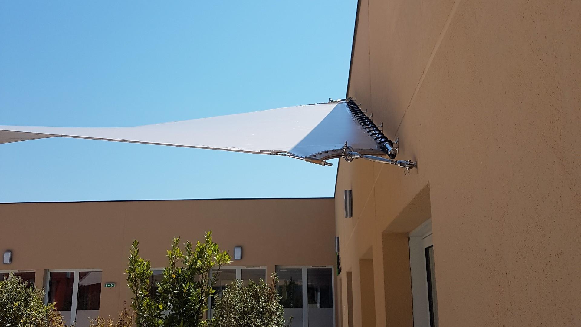 ombrage avec votre stores de terrasse près de l'Hérault (34)   AB Tertiaire