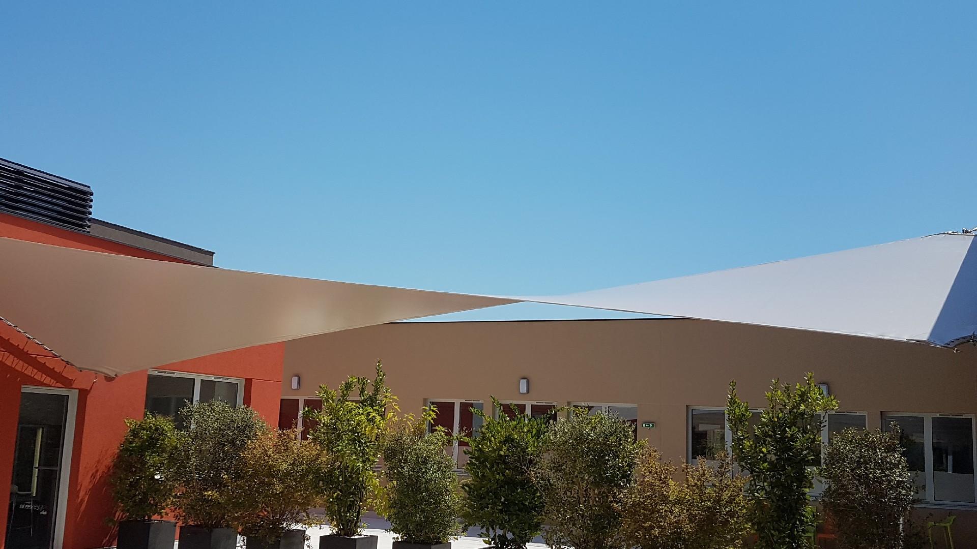 réalisation d'une stores de terrasse près de l'Hérault (34)   AB Tertiaire